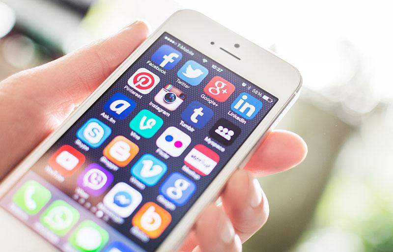 social-media sul cell
