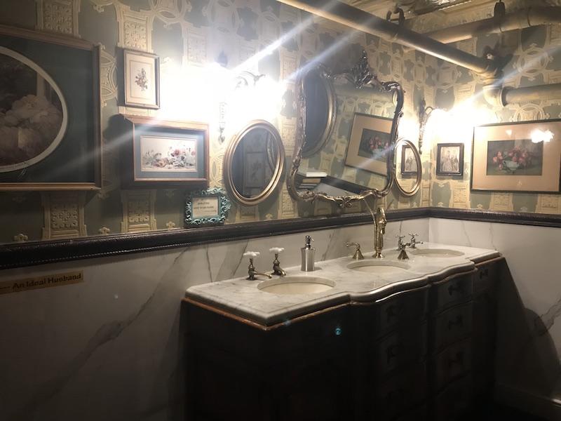 Oscar Wilde Cafe Bagno.