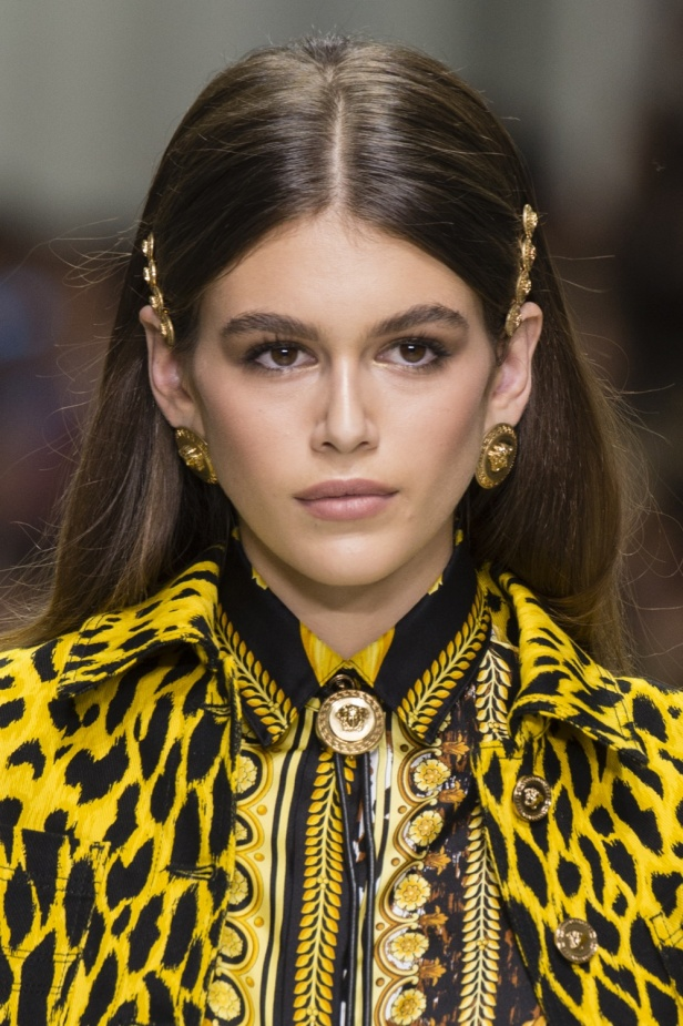 Hair-Clip-Trend-Versace